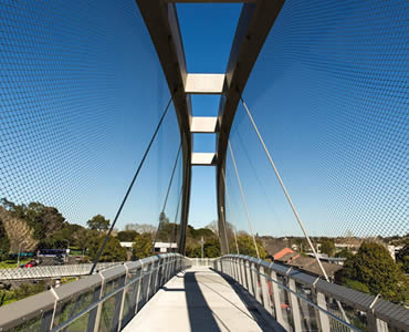 Stainless steel ferrule rope mesh is installed as the railing and protective wall of a large suspension bridge.